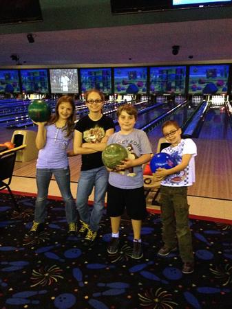 glow bowling 1